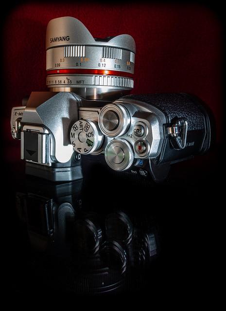 Olympus O-MD E-M10 mk lll and Samyang manual 7.5mm fisheye lens. . .