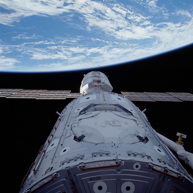 #TBT: Mating of Unity and Zarya – Dec. 6, 1998