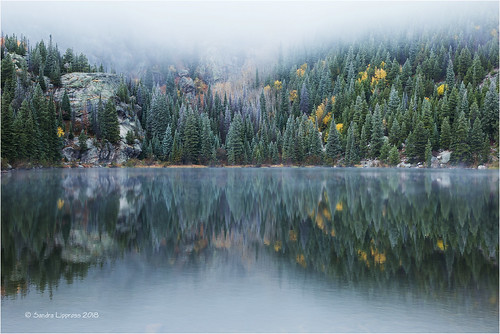 lake see bearlake rockymountains rockymountainnationalpark colorado usa mist fog winter clouds reflection landscape er