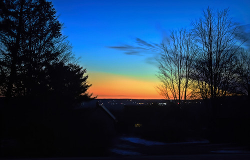 odc exaggerate colours sky somethingwickedthiswaycomes sunrise cayugalakevalley ithacany