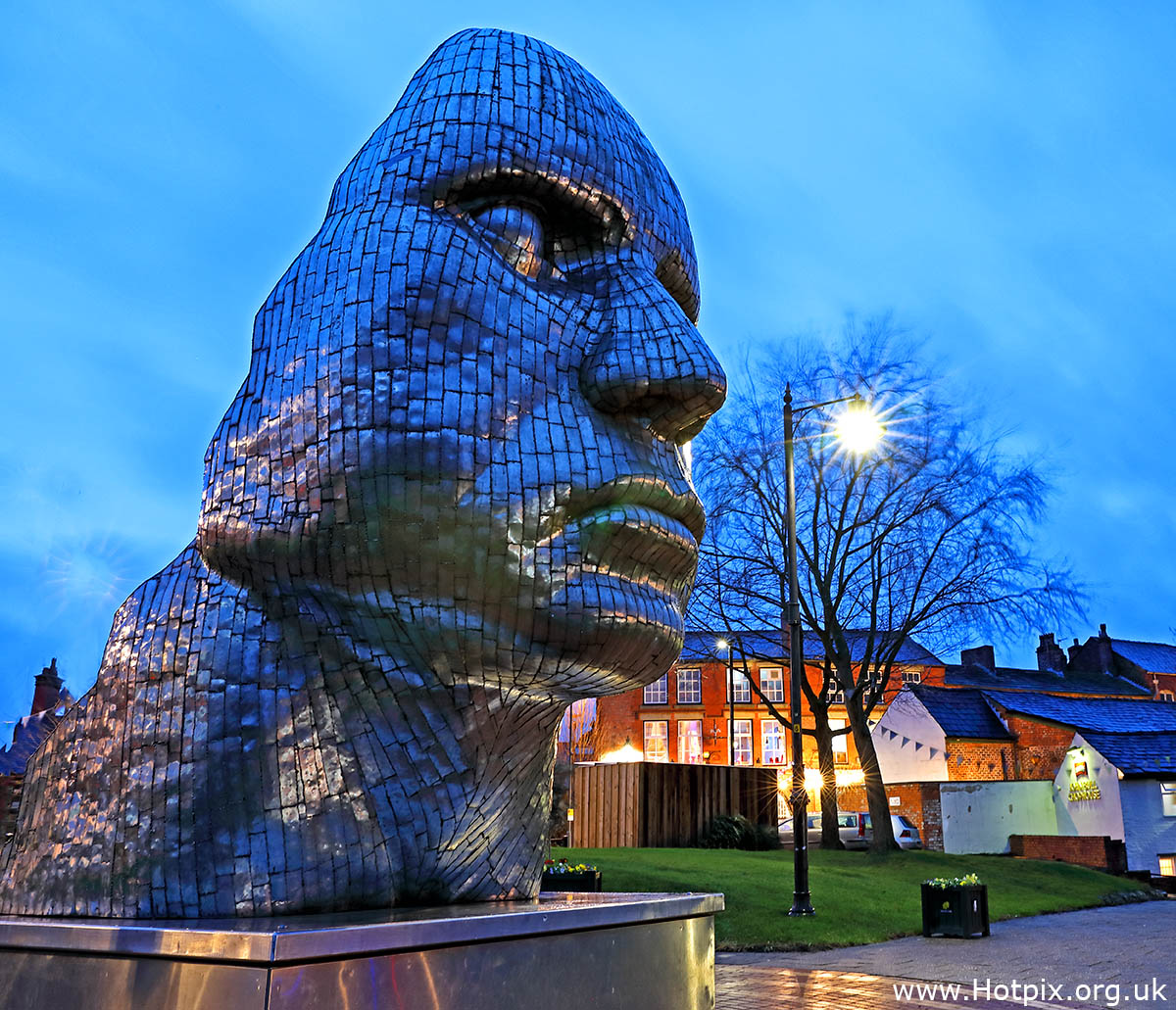 Dusk,night,art,Face Of wigan,The Face Of Wigan,Wigan,Town Centre,HousingITguy,Project365,2nd 365,HotpixUK365,Tone Smith,GoTonySmith,365,2365,one a day,Tony Smith,Hotpix,stainless steel,sculpture,face,Rick Kirby,artwork,artist,Greater Manchester,Wigan Council