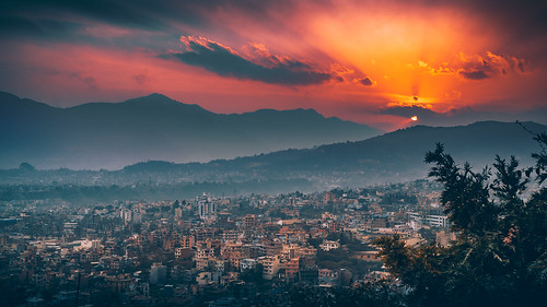 asia nepal kathmandu swayambhunath kathmanduvalley mountain valley sunset sky cloud goldenhour landscape sony sonyα6300 sonyepz18105mmf4goss