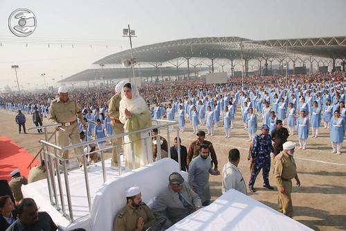 Satguru Mata Ji going round and blessing the devotees in Rally