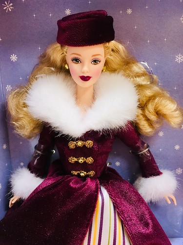 Mum gave me this lovely Avon Victorian Ice Skater Barbie, Special Edition, back in 2000 or thereabouts.  I never could bring myself to take her out of the box, but I did today!