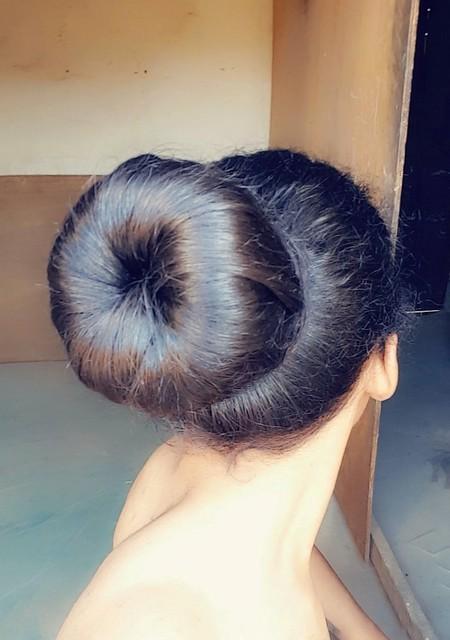 تسريحة شعر الكعكة  كعكة الدونات  كعكة شعر كبيرة  #hair #hairstyle #bun #style #donut  Big hair bun  Hair bun  Hair donut