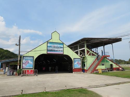 チェンマイ競馬場のスタンド