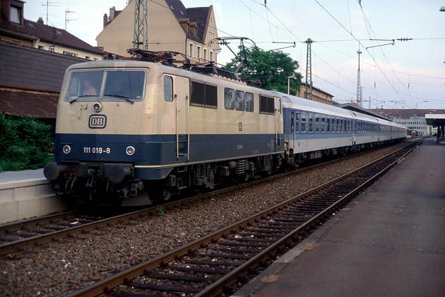 DB BR111 018 Bamberg bound in Erlangen, Oct 1991