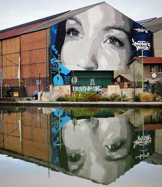 #eyesthatmakeyoumelt / #streetart by #Marko93. . #paris #streetartparis #parisstreetart #graffiti #urbanart #graffitiart #streetartfrance #msaparis #theparisguru #urbanart_daily #graffitiart_daily #streetarteverywhere #streetart_daily #mural #ilovestreeta