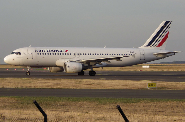 F-GKXO, Airbus A320-214, c/n 3420, Air France, CDG/LFPG 2018-10-14, taxiway Bravo-Loop, heading to runway 09R.