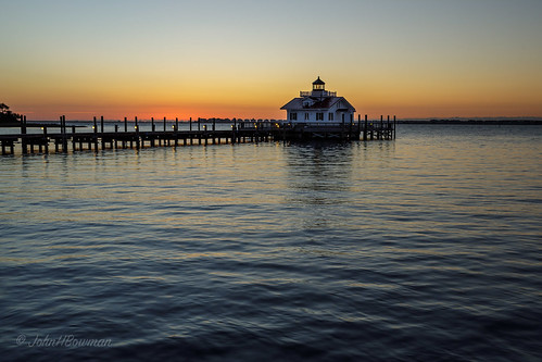 northcarolina outerbanks darecounty manteo lighthouses atlanticlighthouses nclighthouses roanokemarsheslight screwpilelighthouses replicalighthouses piersdocks bays shallowbagbay sunrises dawn reflections march2017 march 2017 canon3514l