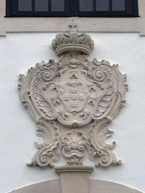 Iglesia Colegiada de Nuestra Señora de las Misericordias. Escudo (Ourém, Portugal)