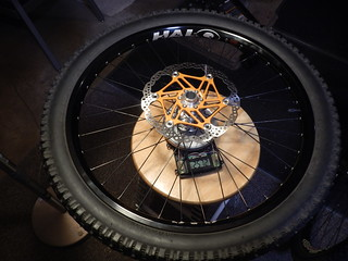 2572 grams = Halo SAS, Hadley, Hope, Wheelsmith, Maxxis 24 x 2.5
