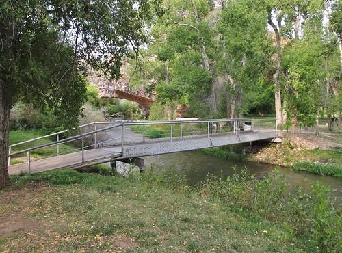 ayresnaturalbridge wyoming roadtrip countypark oregontrail landscape scenery bridge footbridge