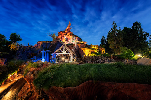 Splash Mountain Disneyland | by TheTimeTheSpace