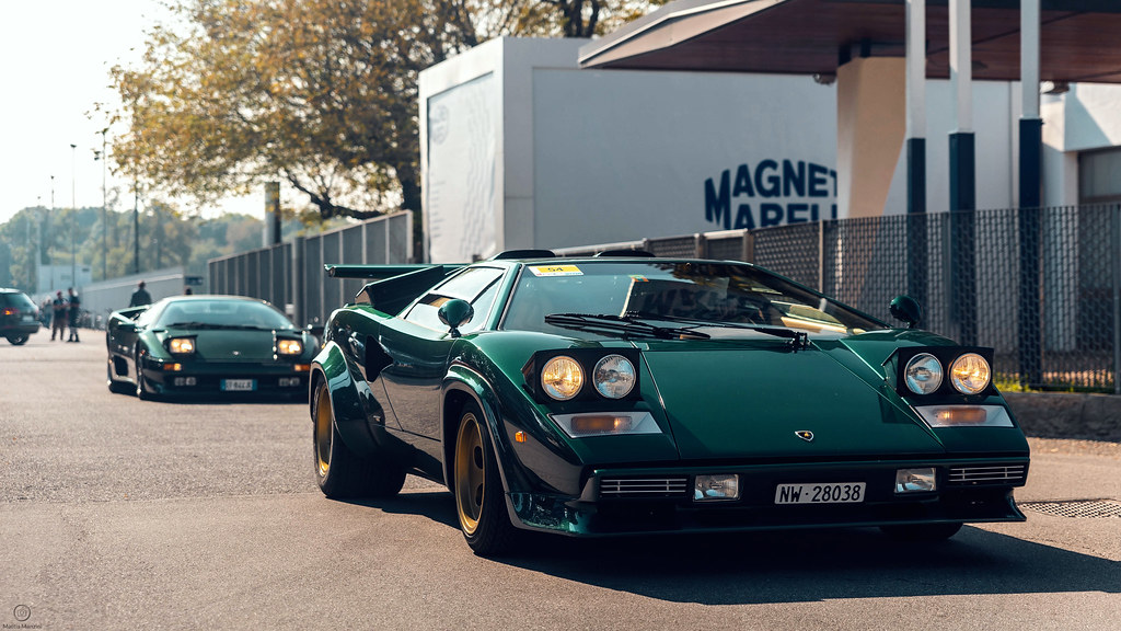 Pop Up Lights Were A Thing Lamborghini Countach And Diablo Flickr