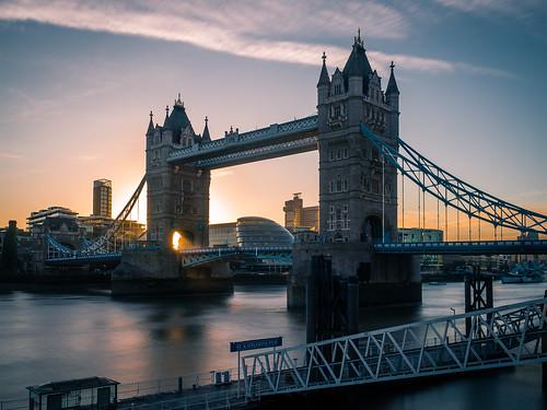 Tower bridge - London, United Kingdom - Travel photography | by Giuseppe Milo (www.pixael.com)