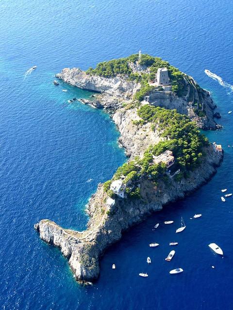 Amalfi Coast Sailing Adventure: Part 3 – Li Galli islands