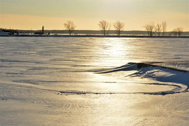 Lachine - icy beach
