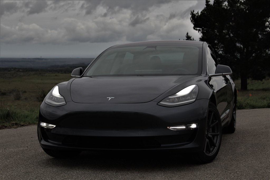 Tesla Model 3 Storm Tesla Model 3 Midnight Silver Metallic