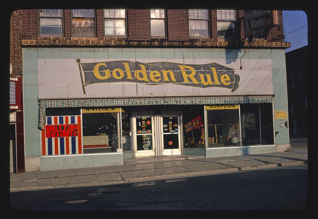 Golden Rule storefront, Federal Avenue, Mason City, Iowa (LOC)