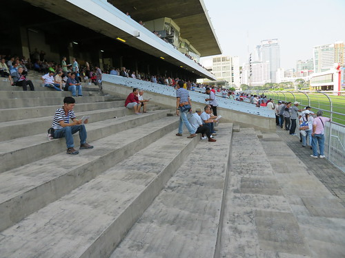 ロイヤルバンコクスポーツクラブ競馬場のスタンドの座席