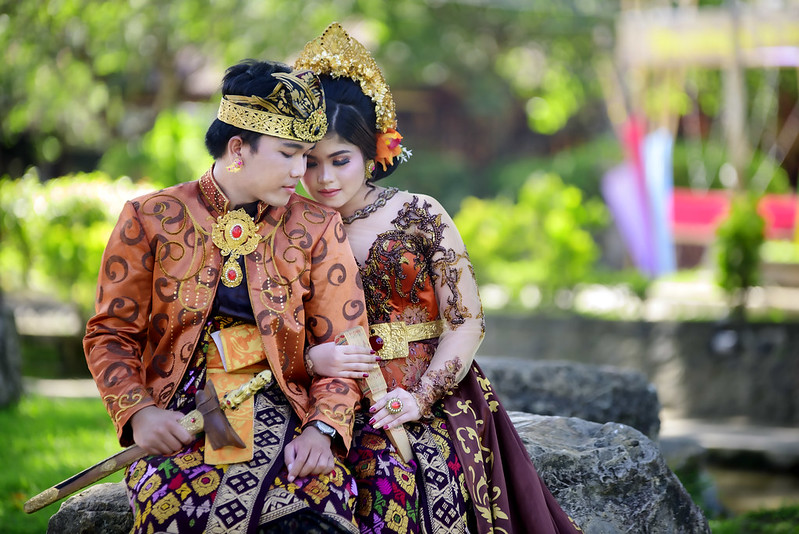 Paket foto prewedding dengan rias makeup dress gaun bridal bali jakarta