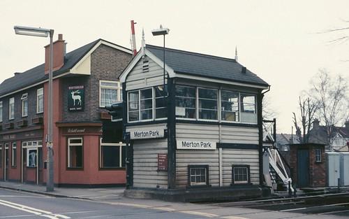 Merton Park signalbox in 1980 | by Tom Burnham