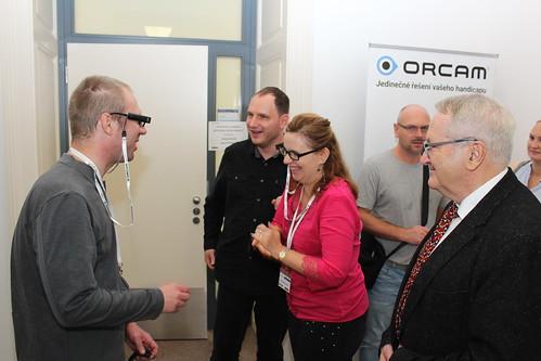 Zkoušení Orcam MyEye v interiéru | by Radek Pavlicek