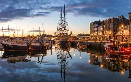 plymouth plymouthbarbican devon harbour suttonharbour kaskelot ship boats boat water reflection reflections landscape landscapes landscapephotography city cloud sunrise dawn morning canon england efs1585mmisusm eos eos80d