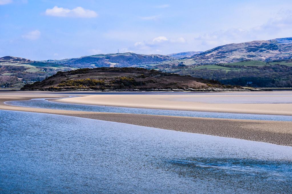 A View Of Ynys Gifftan From Portmeirion Wales Ynys Giffta Flickr