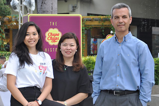 Chupa Chups Brand Manager Denise Opulencia, PVM Marketing and Trade Marketing Director, and Managing Director Gerard Orriols | by annalyn