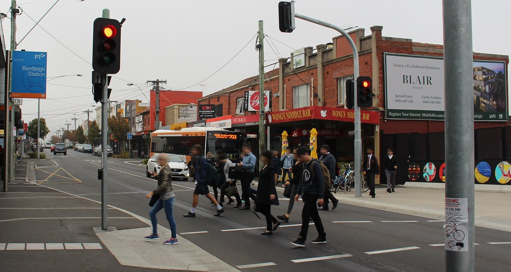 Bentleigh station pedestrian crossing