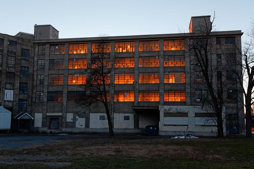 building window illusion fire goldenhour sunlight urban amsterdam newyork mohawkvalley capitalregion montgomerycounty outdoor pentax pentaxart kp kmount sigma1750mmf28lens
