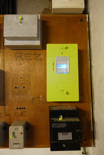Linky electric meter @ Annecy-le-Vieux | by *_*