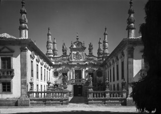 Monumentos Nacionais. Vila Real, Portugal | by Biblioteca de Arte-Fundação Calouste Gulbenkian