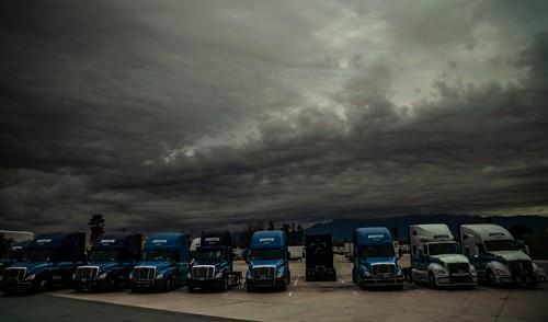january 2019 martenterminal bigriggs trucks bobtail cloudsstormssunsetssunrises jurupavalley socal losangeles stormclouds sonyilce7rm3 fe2470mmf28gm alvinharp