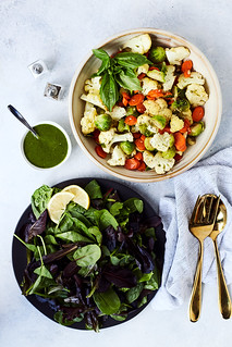 Mixed Greens Salad with Steam Fried Veggies and Lemon Basil Vinaigrette {Paleo, Vegan, Whole30, Keto} | by Tasty Yummies