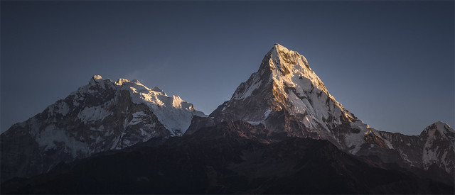 _DSC4358_59_t  First light on Fang and Annapurna mountains / Nepal