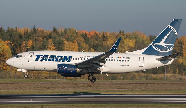 YR-BGI TAROM 737-700 @ ARN