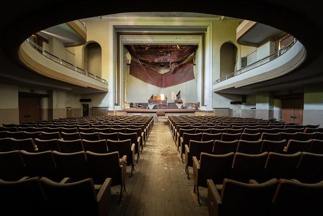 Theatre Rouge