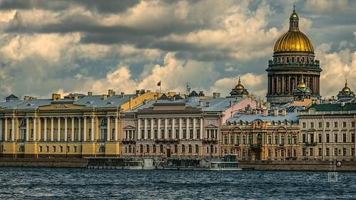 English embankment, St. Petersburg (Russia) #110, 08-2018, (Vlad Meytin, vladsm.com)   by Instagram: vlad.meytin