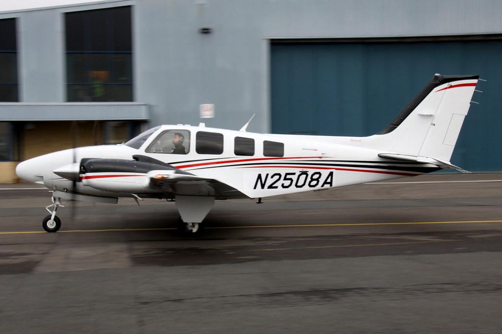 Textron G58 Baron N2508A JA15DC