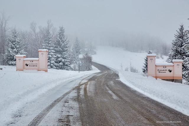 Snijeg i magla na Petehovcu iznad Delnica