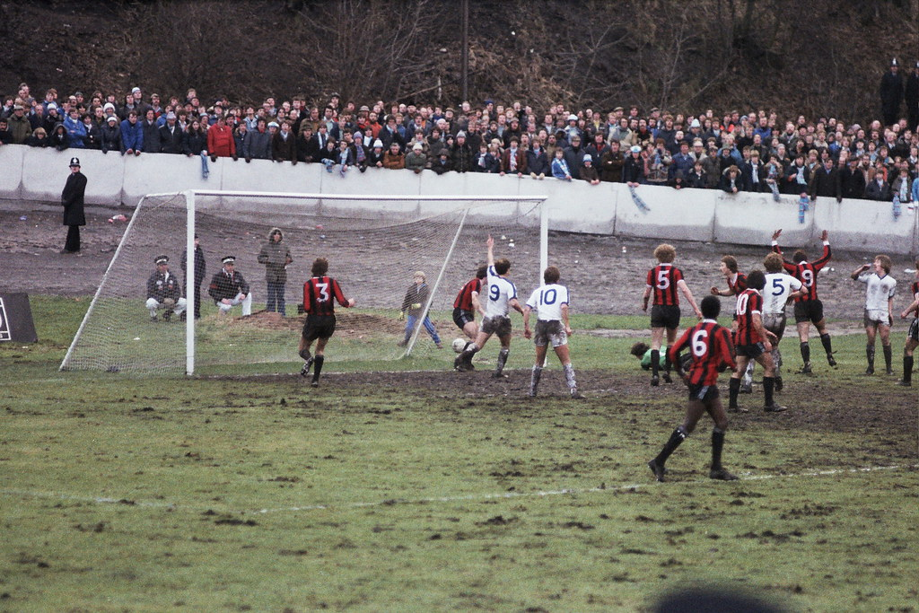 05-01-1980 Halifax Town 1-0 Manchester City (FAC3) Paul Hendrie narrowly wide,