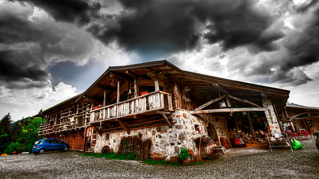 Malga Bassa Farmhouse