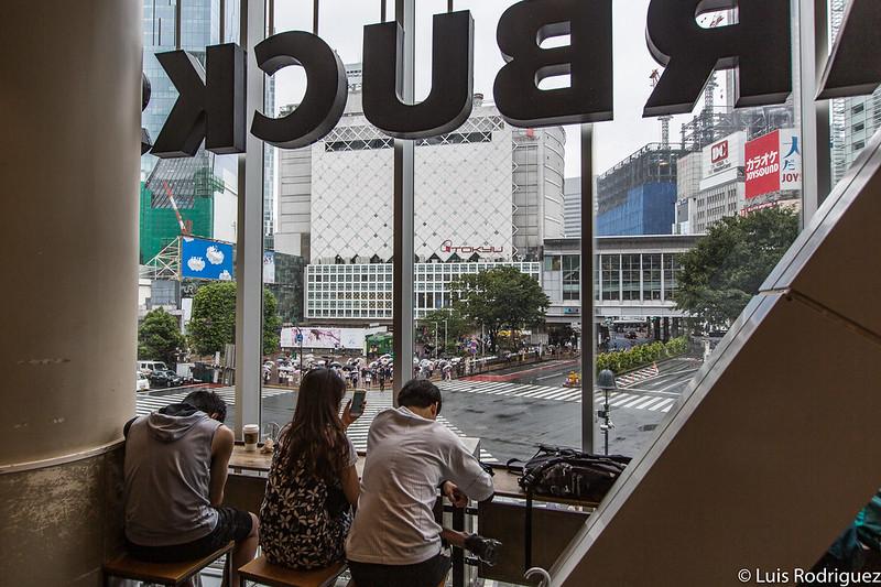 Vista desde el Starbucks de Shibuya en la realidad