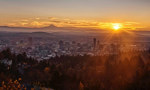 cityscape portland oregon pittockacrespark sunrise sunburst skyline mthood