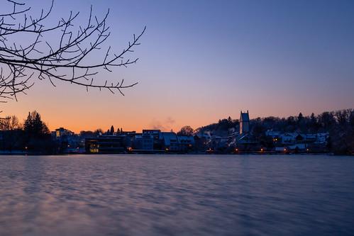 Sonnenaufgang am Stadtsee im winterlichem Bad Waldsee