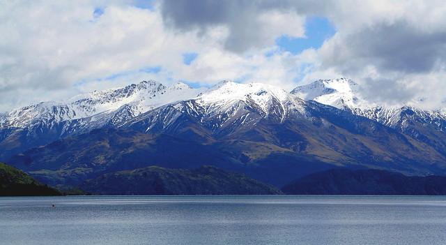 LAKE WANAKA SOUTH ISLAND NEW ZEALAND