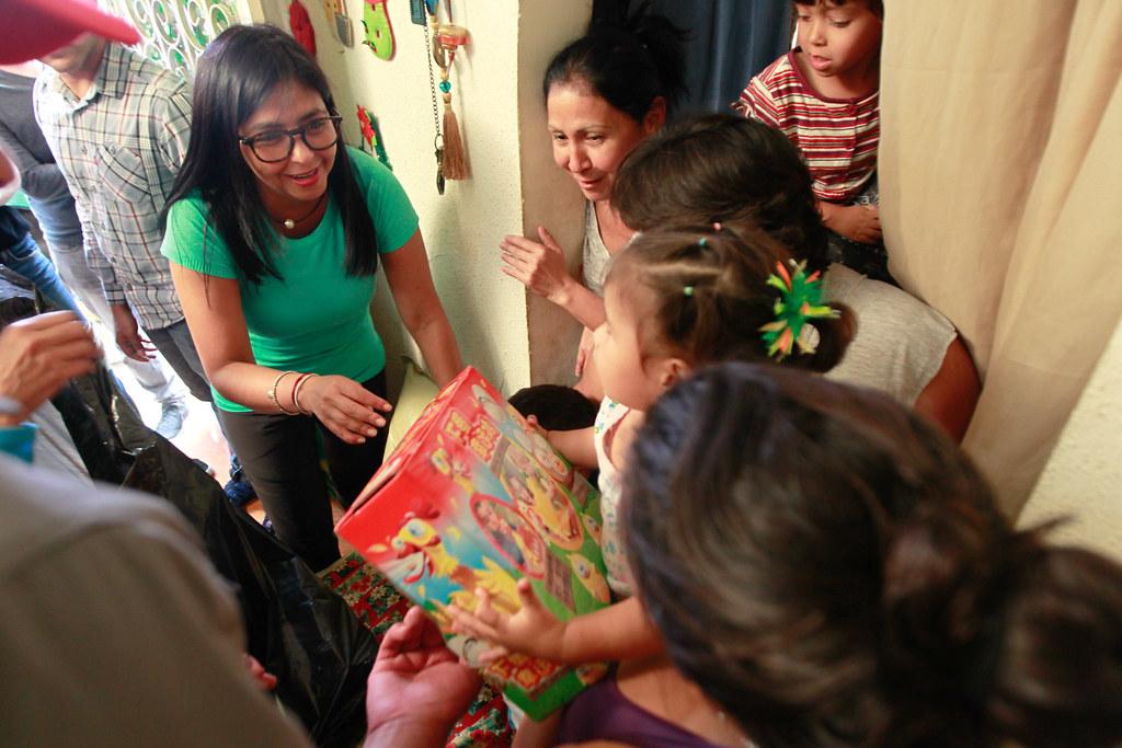 Gobierno Bolivariano Llevó La Alegría De La Navidad A Niño Flickr